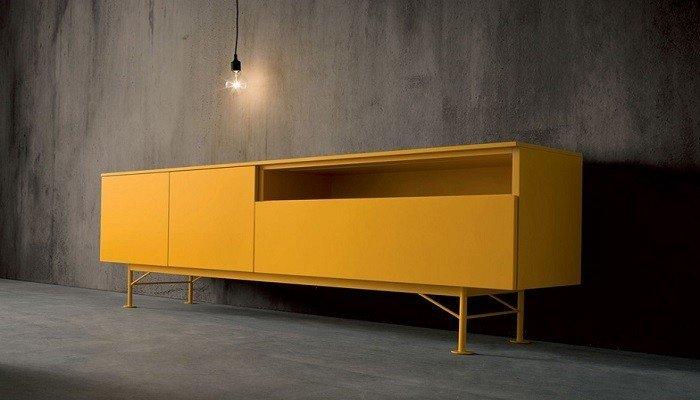 Dressoir op poten zonnegeel dall agnese uw kast op maat for Tweedehands meubels webshop