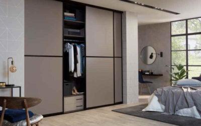 Een inloopkast of kledingkast met schuifdeuren?