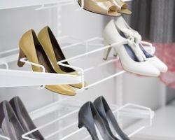 Wandrailsysteem elfa schoenenrek uittrekbaar wit voor uwkastopmaat