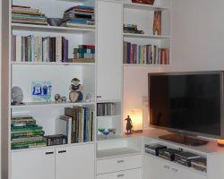 Hoekkast voor tv, audio en boeken