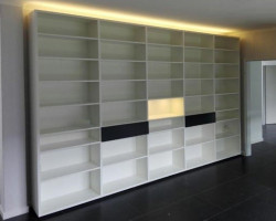 Boekenkast op maat met LED verlichting