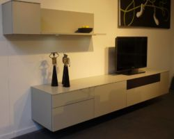 Hangedn tv dressoir met speakerdoek