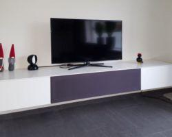 Hangend tv meubel op maat met speakerdoek