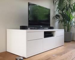 Staand tv meubel met laden en kleppen
